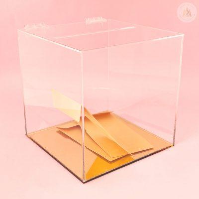Caja de sobres base dorada